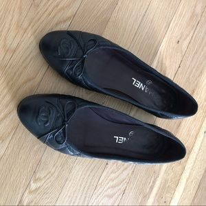 Authentic Chanel Black Quilted Flats 38